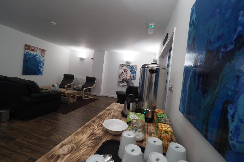 Lounge with teas crazy angle